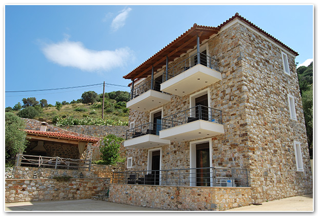 Labetia Apartments - Petries Evia Greece